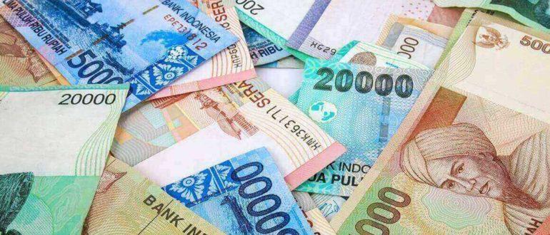 money indonesia 770x330 - Какой валютой расплачиваться на Бали?
