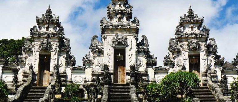 balitemples02 770x330 - Самые известные храмы Бали