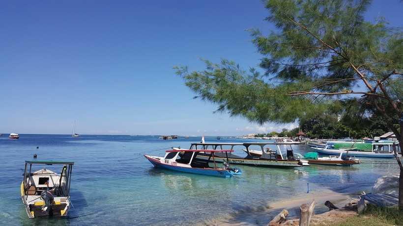 Паромы на Бали к островам Гили