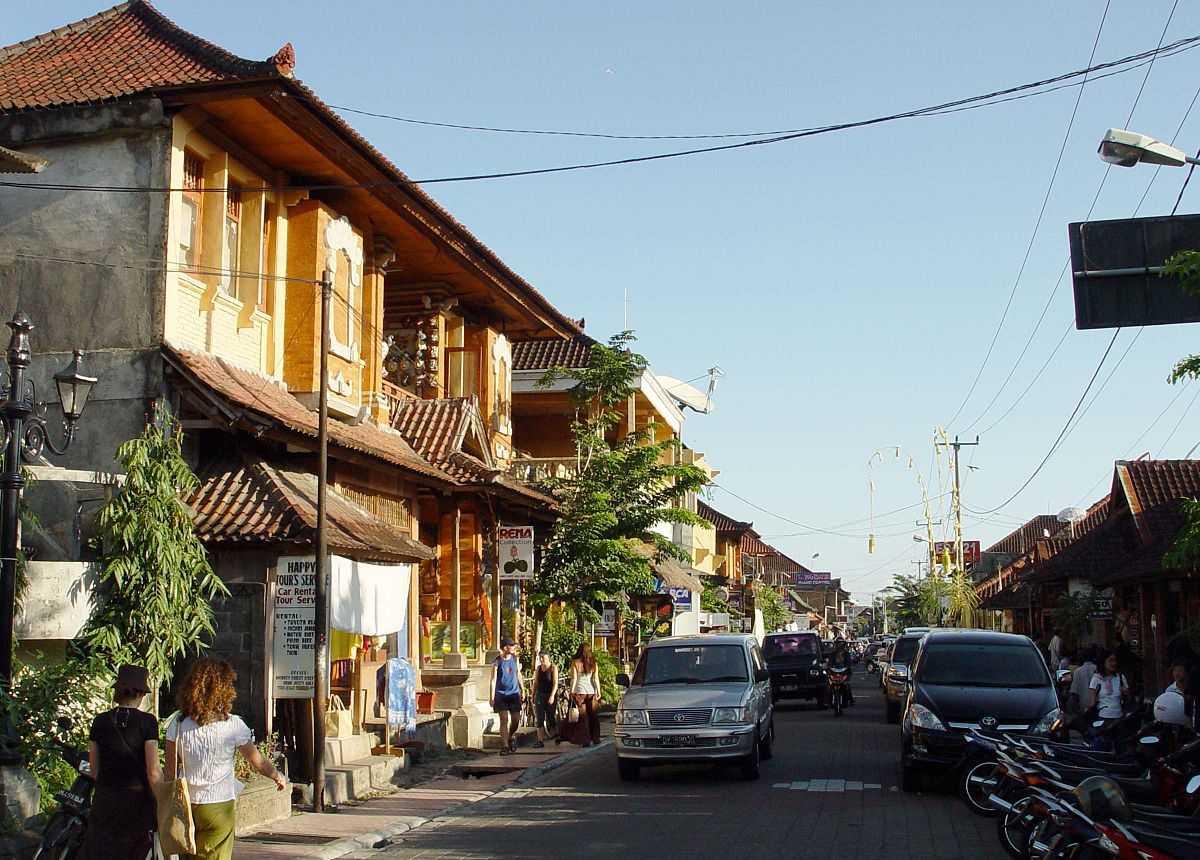 Передвижение между городами: Столица Индонезии, южная часть Бали и стольный град - Денпасар