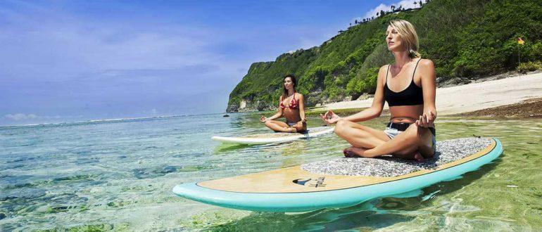 17. Karma Kandara Surf Yoga at Karma Beach 1 770x330 - Пляж Карма Кандара в Буките