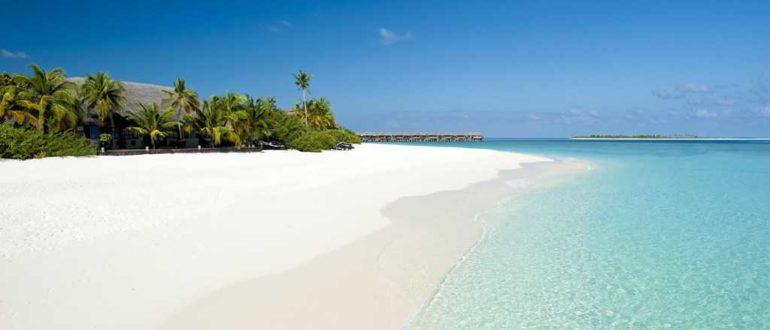 234218 white sand beach bora bora 4256x2832 h 770x330 - Белоснежный пляж в Карангасеме