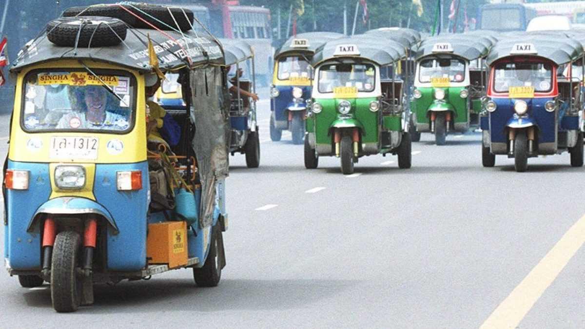 """Такси в Денпасаре: официальные службы и местные """"банды таксистов"""""""