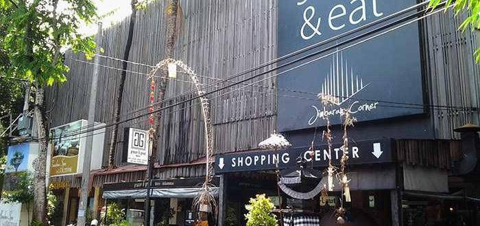 Jimbaran Shopping Center 700x330 - Шоппинг в Джимбаране