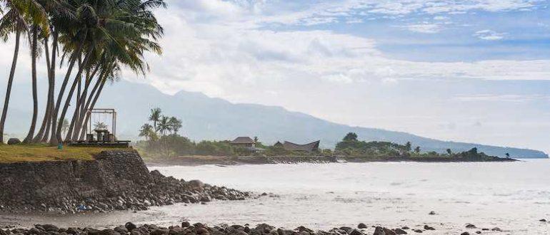 KaGHs croper ru 770x330 - Пляж Чандидаса в Карангасеме