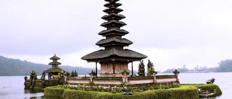 Pura Bali 770x330 - Храм Бланджонг в Сануре