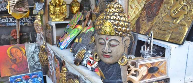 Souvenir Shops near Tanah Lot Temple 770x330 - Шоппинг в Куте