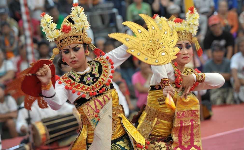 Академия индонезийского танца в Денпасаре
