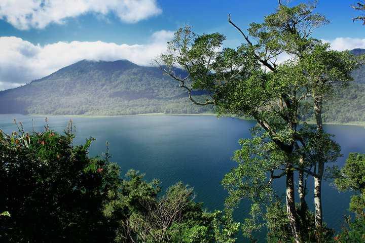 Озеро Буян на Бали 1
