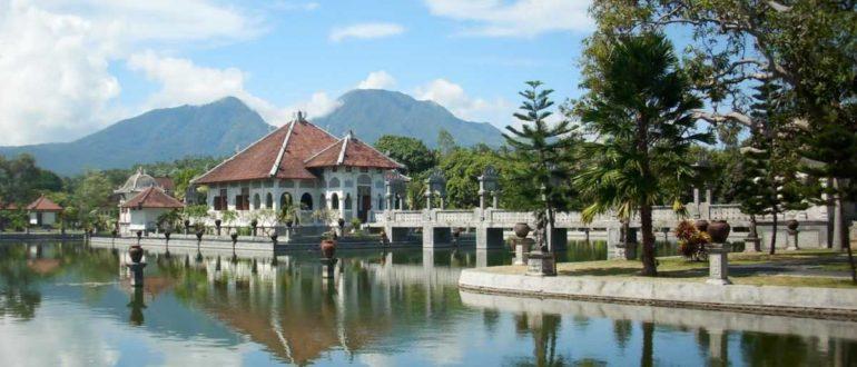 taman ujung 1 770x330 - Дворец Таман Сукасада Уджунг в Карангасеме