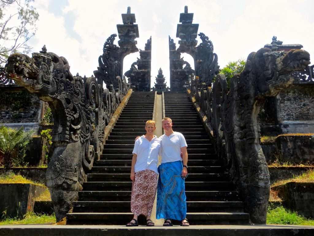 Правила посещения храмов на Бали