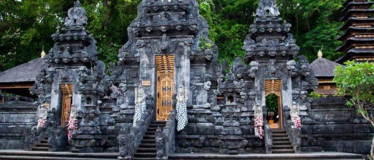 Pura Goa Lawah 770x330 - Храм Гоа-Лавах на Бали