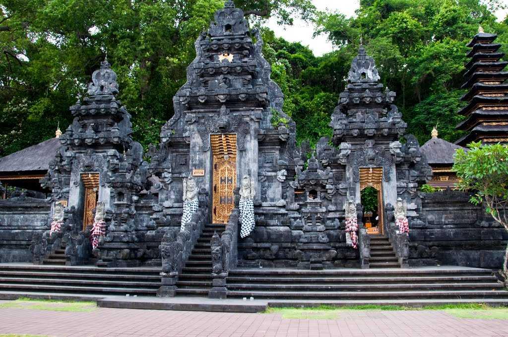 Храм Гоа-Лавах на Бали 6