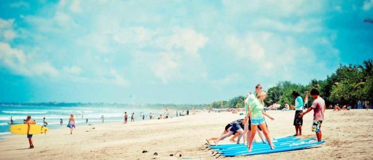 SHkola serfinga Kuta 770x330 - Как добраться до Куты на Бали