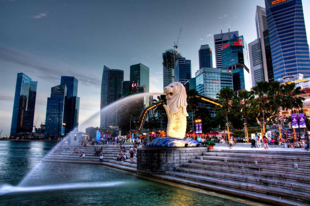 Статуя льва в Сингапуре
