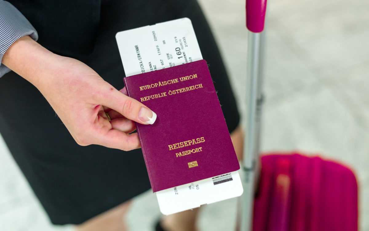 паспорт с билетом на Бали